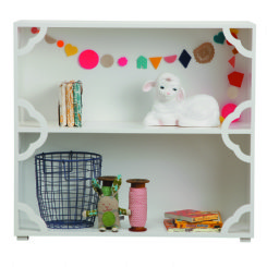 small petite rouge bookcase